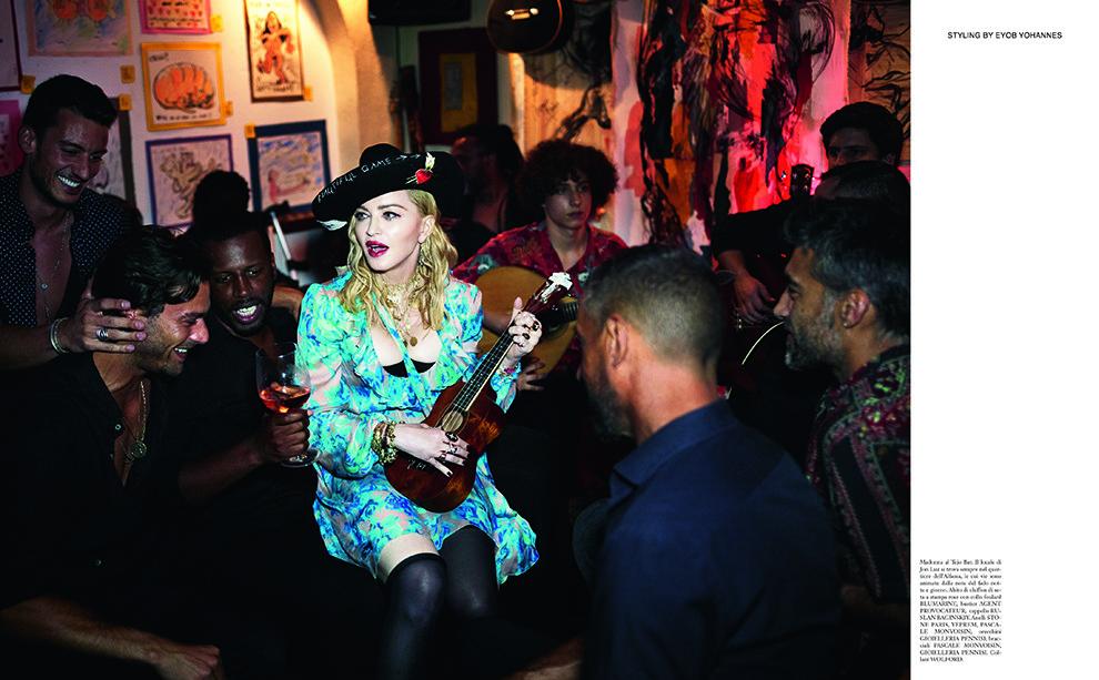 5b605658a4079 - Мадонна в шляпке от украинского бренда на страницах Vogue Italy