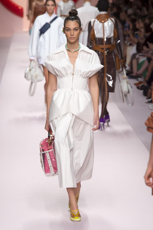 fa2d7aec4ec 20 белых платьев на каждый день