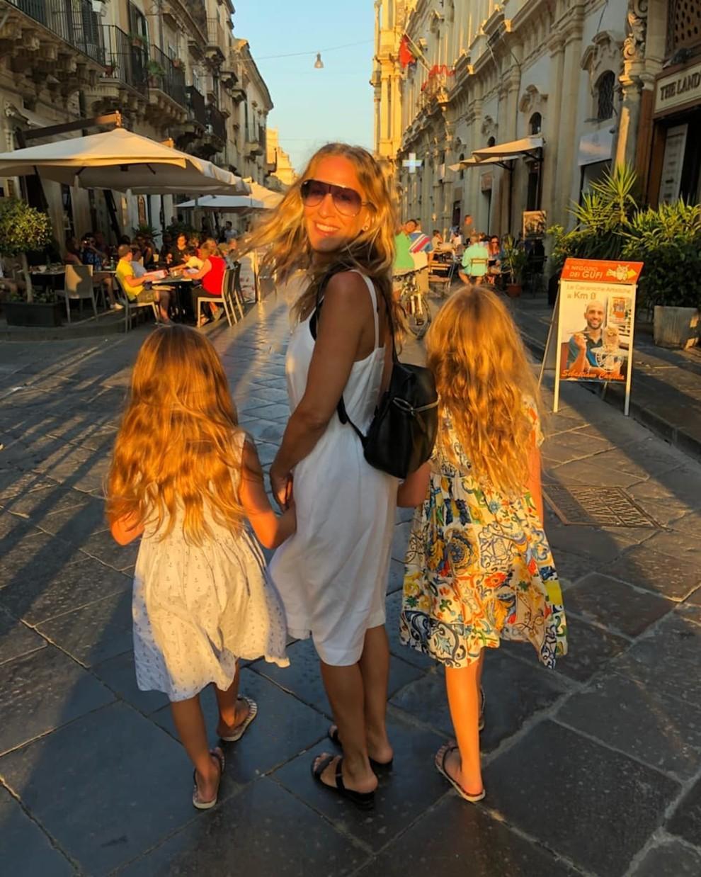 Редкостный снимок: Сара Джессика Паркер показала собственных дочерей