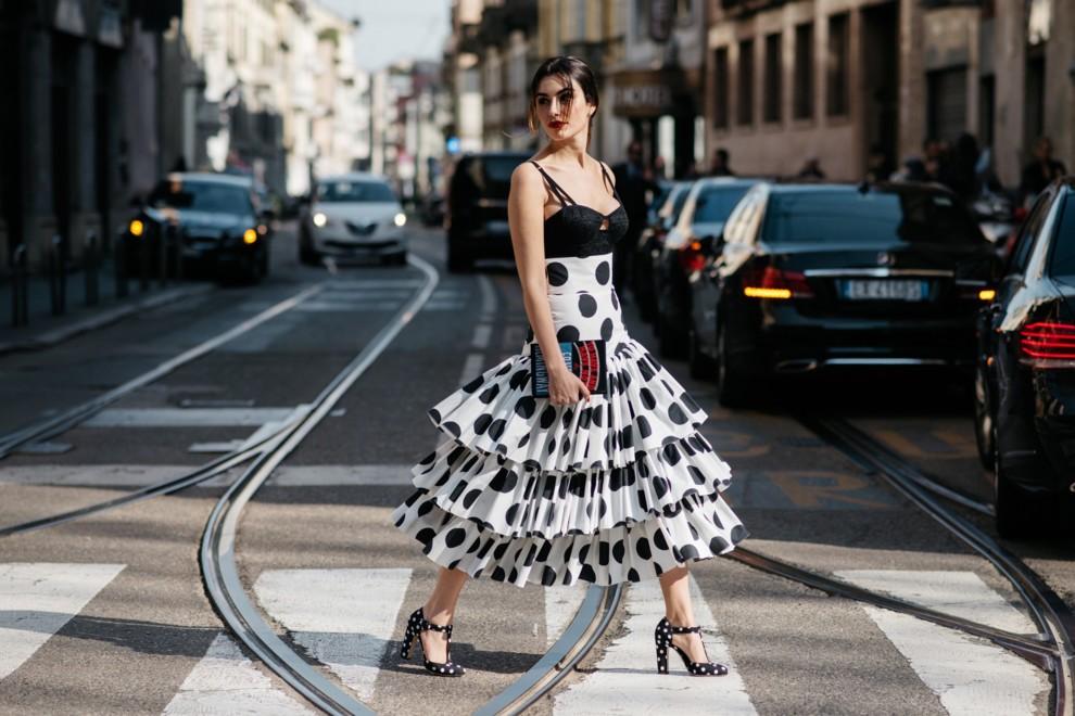 e3aba00b85f48cf Dolce Vita: как носить одежду с рюшами и пышным декором | Vogue ...