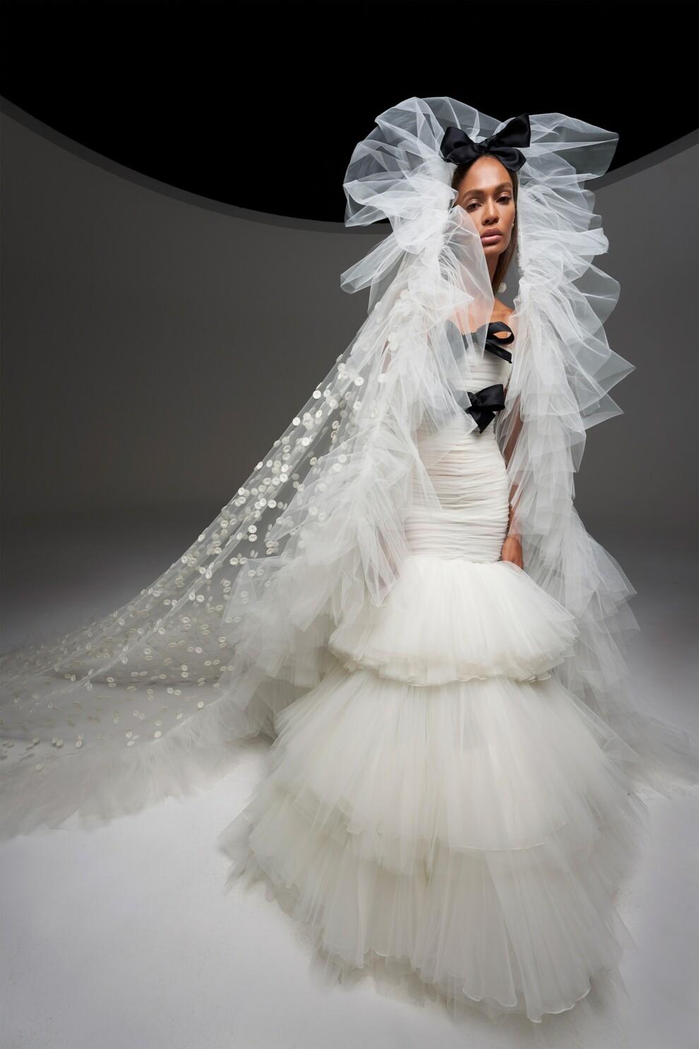 Свадебные платья в кутюрных коллекциях сезона осень-зима 2020-2021