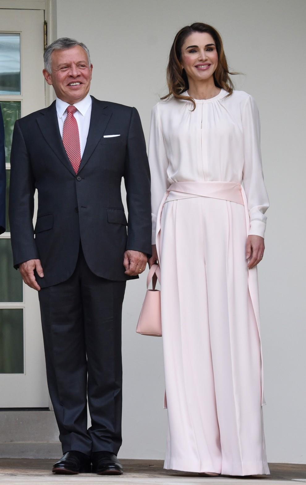 5b315b253f2ca - Мелания Трамп и королева Рания: встреча женственных натур