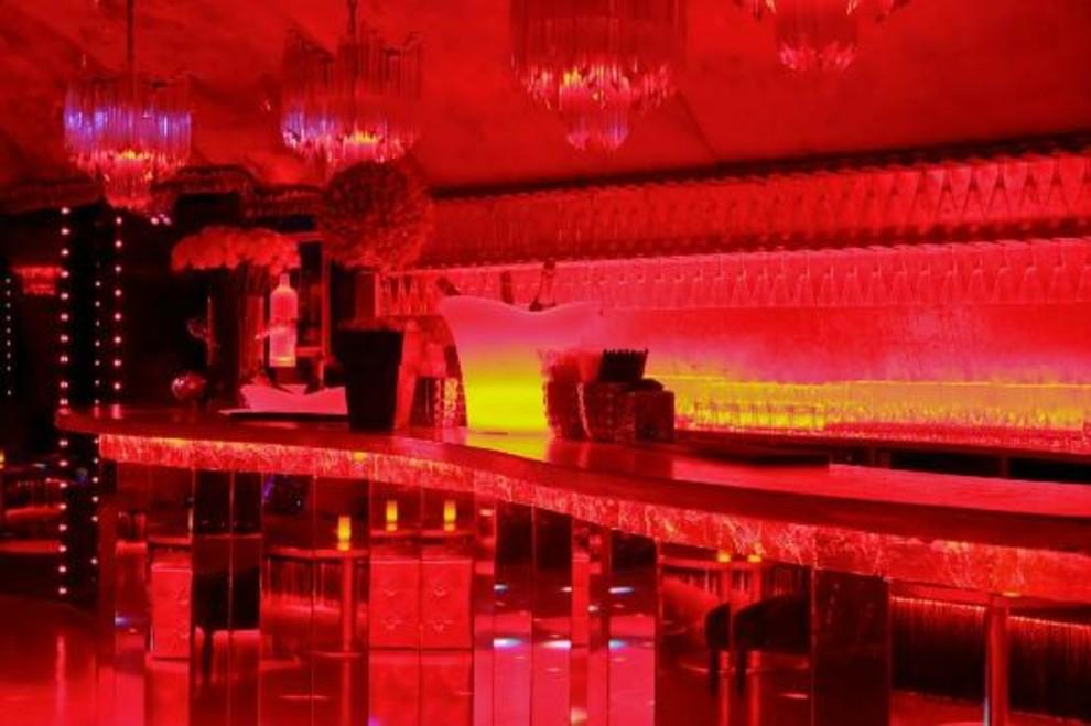 Порно клубы парижа 10