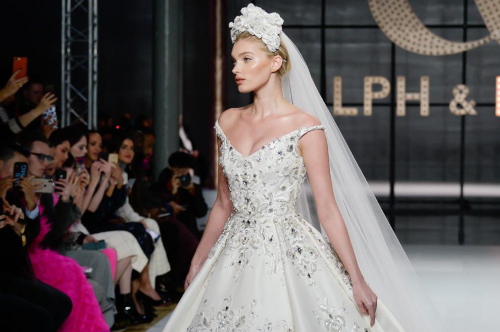 5d0edff8e49c028 Самые красивые свадебные платья на Неделе высокой моды в Париже ...