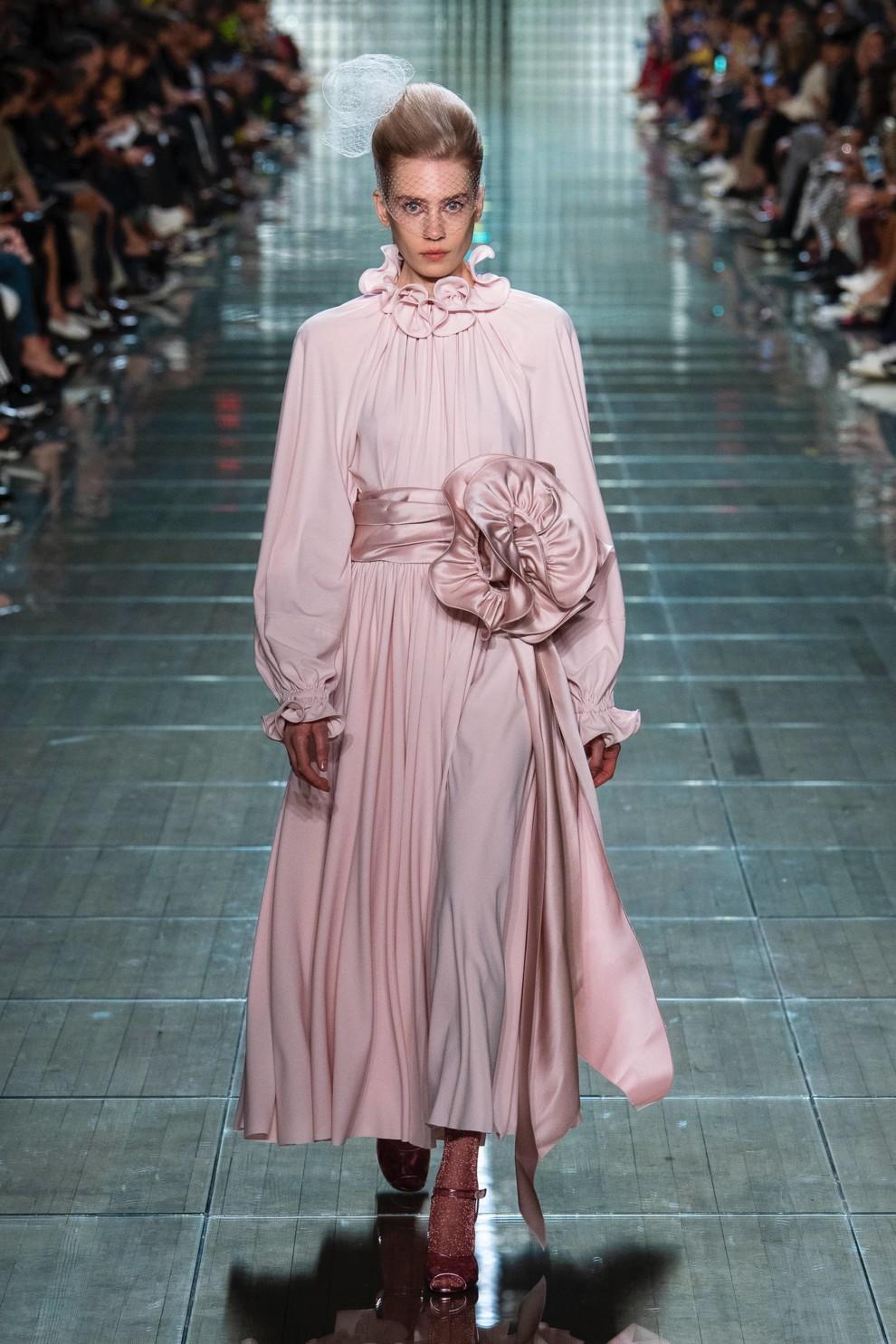 1d0d368f83ba71d Самые модные платья весны 2019 | Vogue Ukraine - Vogue UA