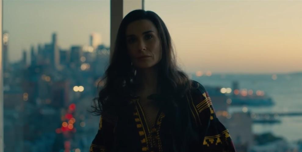 Голлівудська акторка з'явилася у трейлері нового фільму в українській вишиванці
