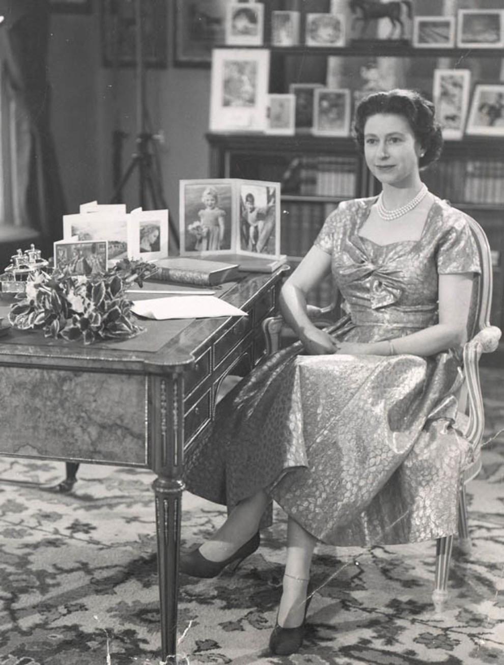 Королева елизавета 2 рождественское поздравление фото 468