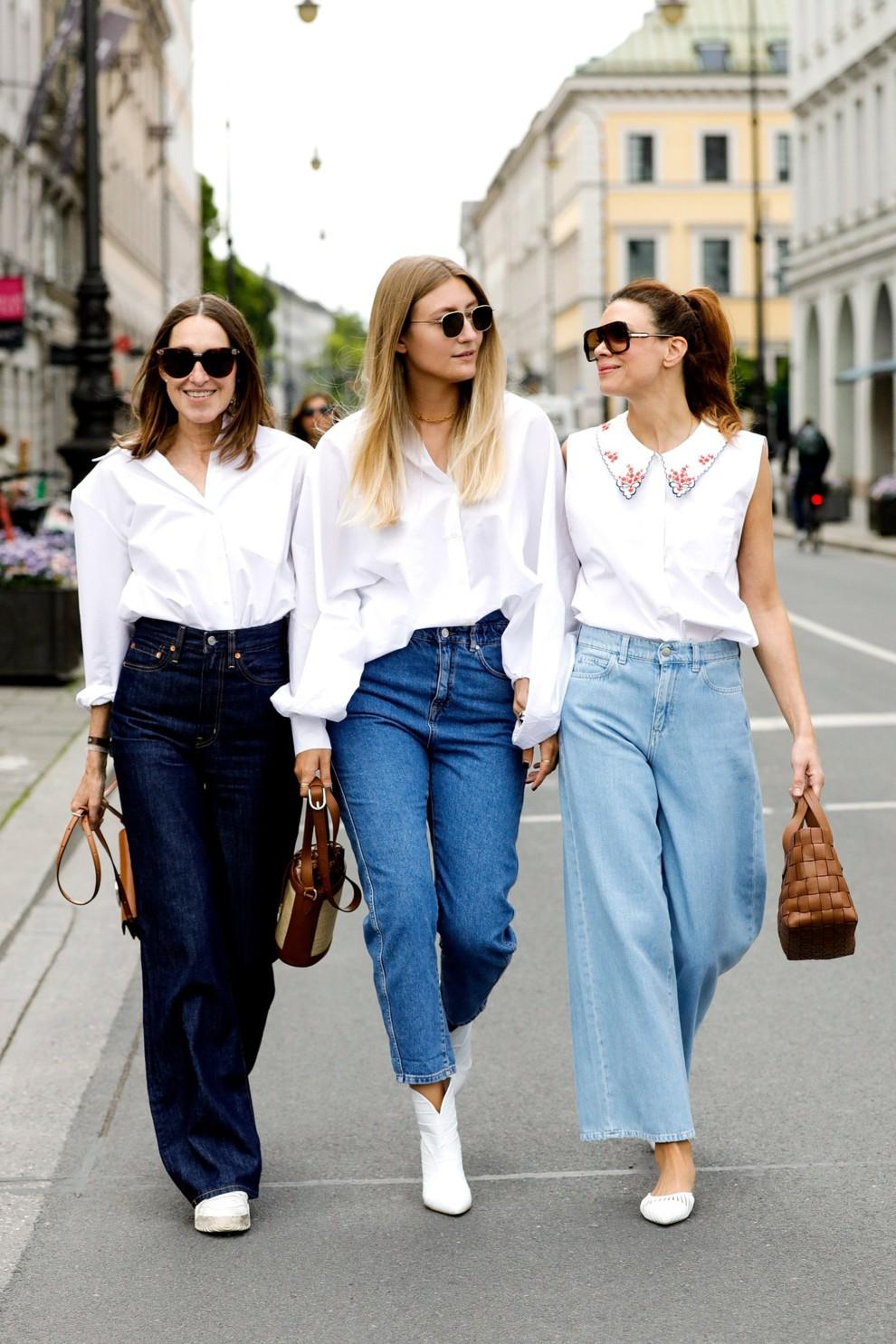 Как носить джинсы с высокой талией и белой рубашкой