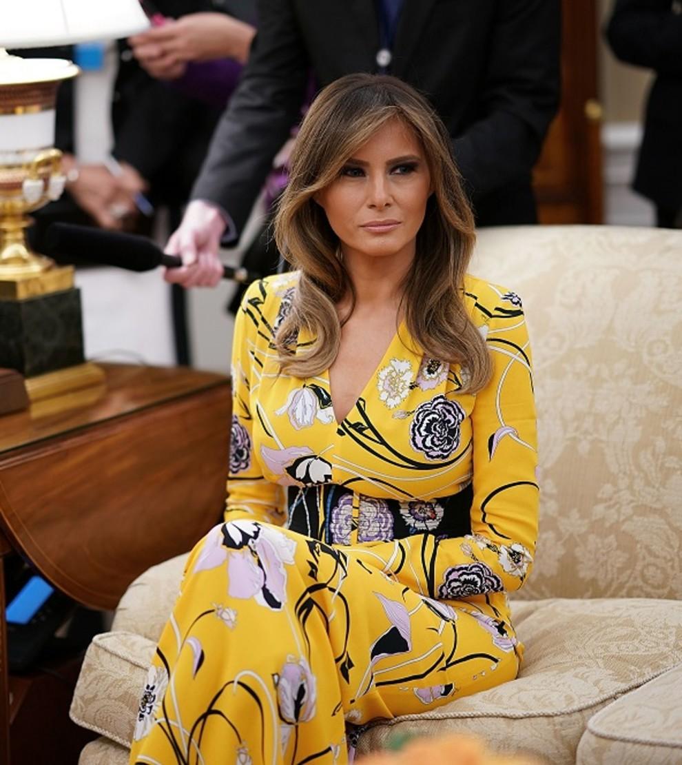 лучшее фото мелании трамп удобный