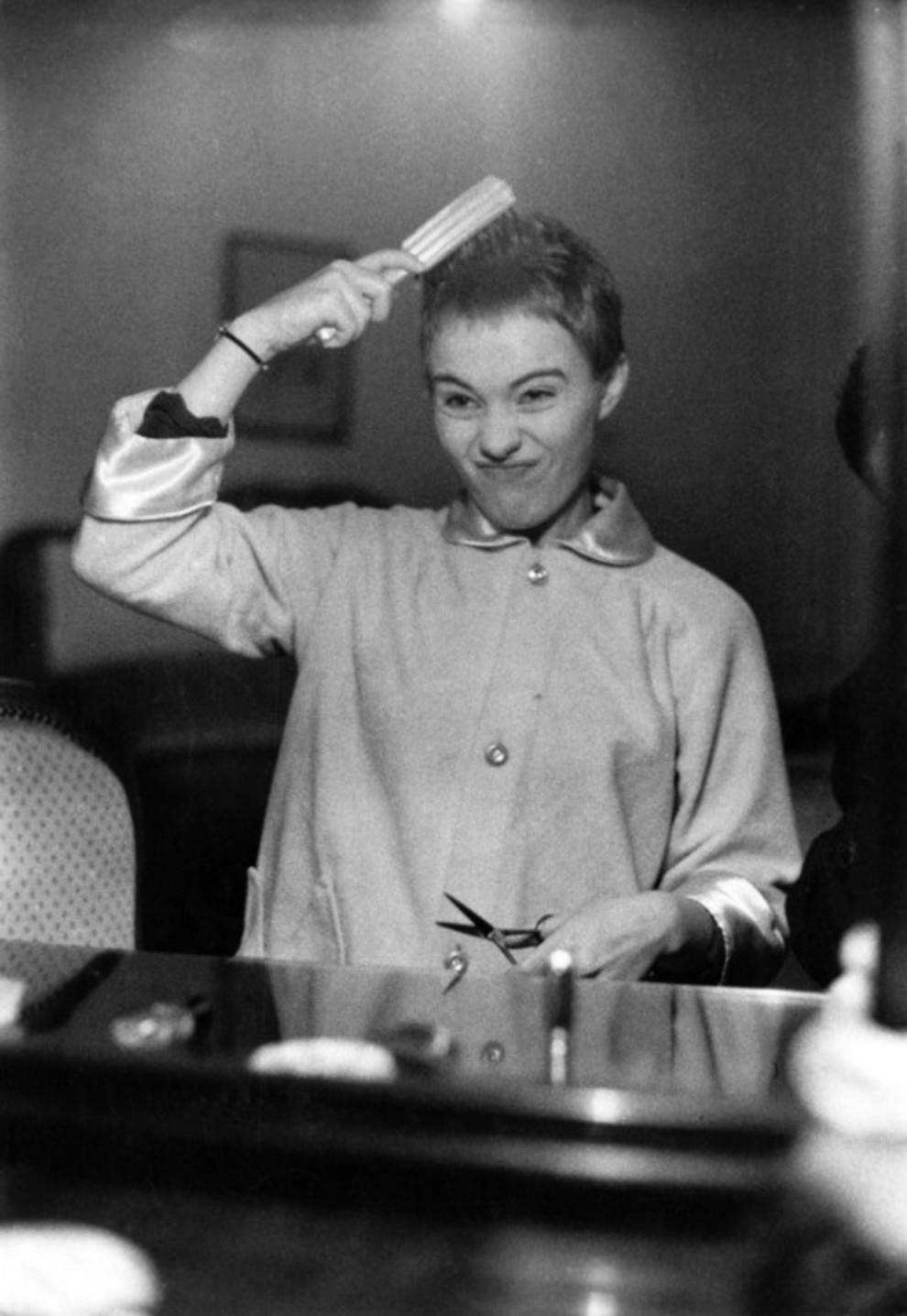Жак дессанж вакансии работа для девушек москва ночь