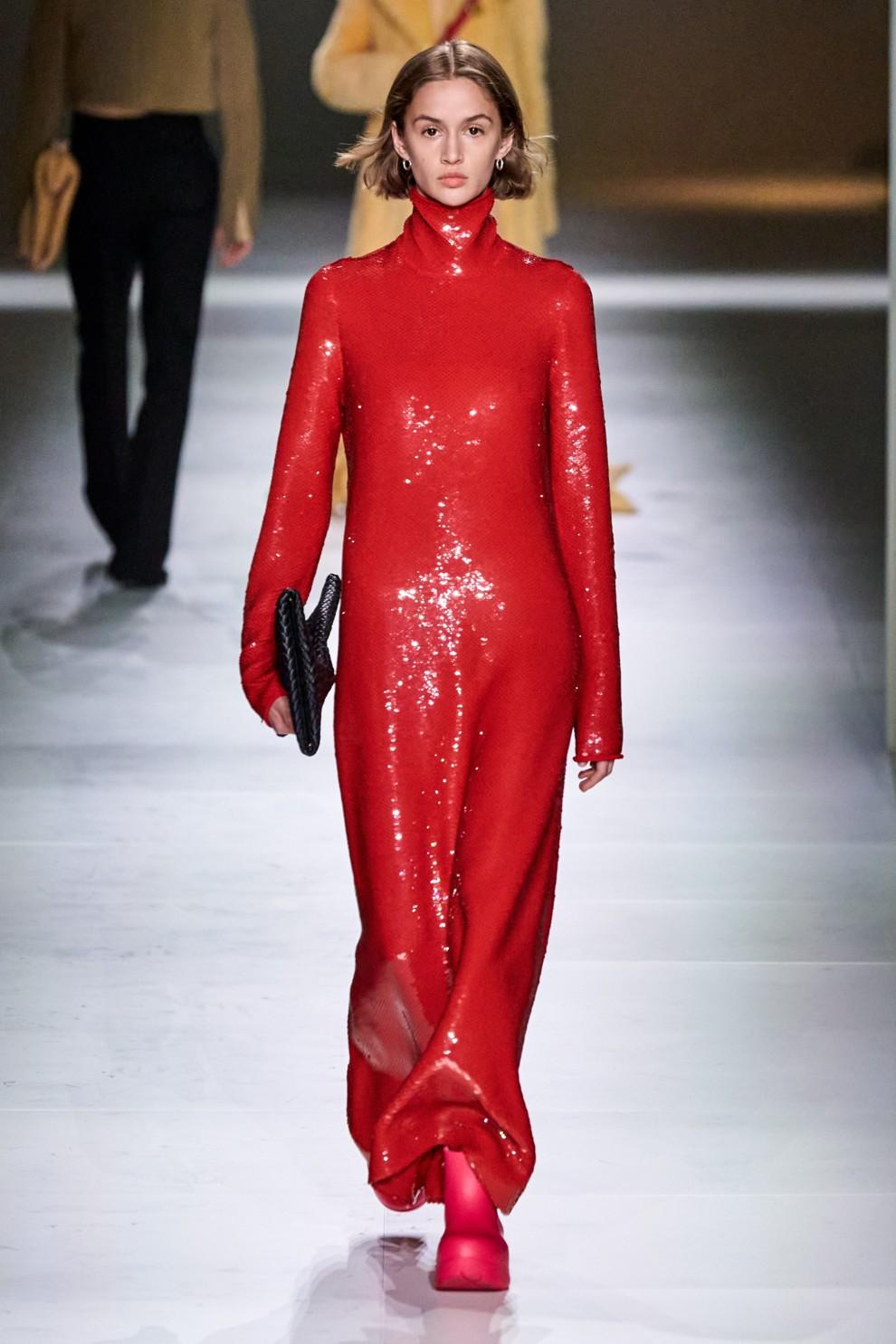 В чем встречать Новый год 2021: модные платья, фото, тренды | Vogue Ukraine - Vogue UA