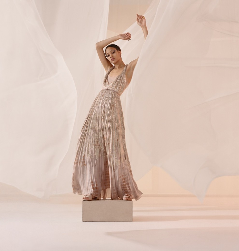 5c2f4665b48d7 - Танцуют все: рекламная кампания Dior