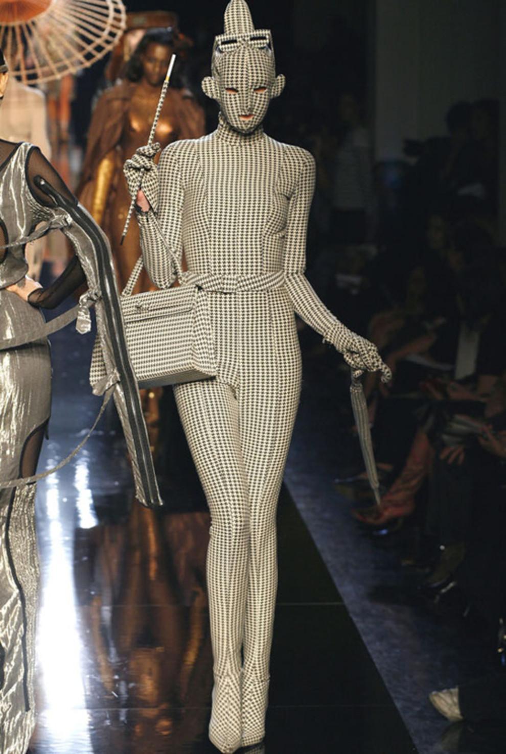 Смотреть Lenfant terrible мира моды – Жан-Поль Готье видео