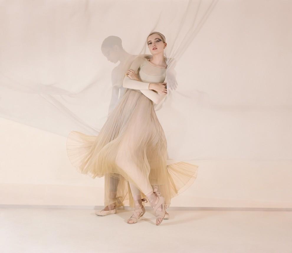 5c2f465a8eb9f - Танцуют все: рекламная кампания Dior