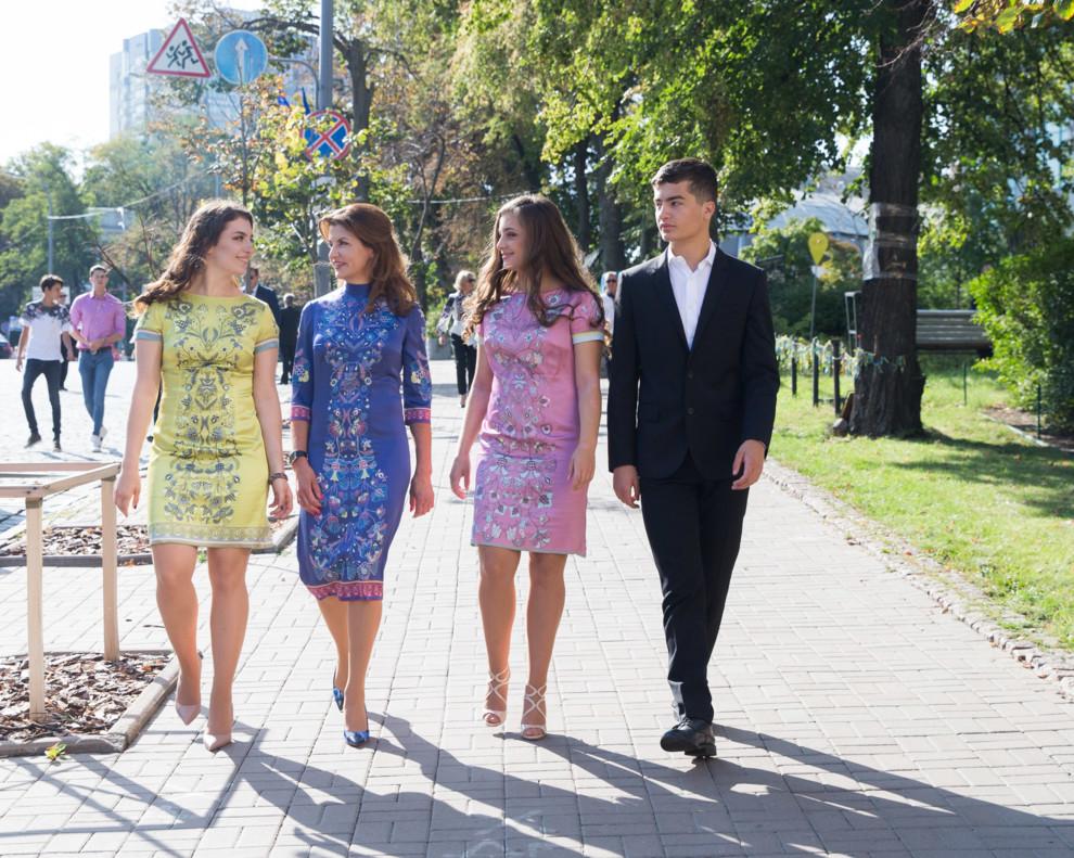 5b7fe302c0bab - В чем появилась первая леди Украины на праздновании Дня Независимости