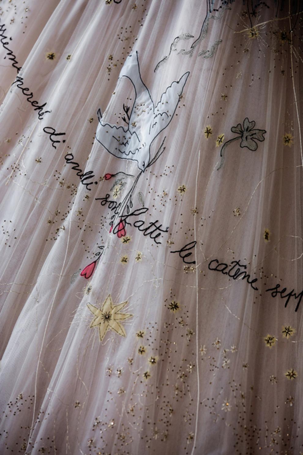 5b8cd89278c39 - Кьяра Ферранья и Fedez поженились: 3 платья от Dior