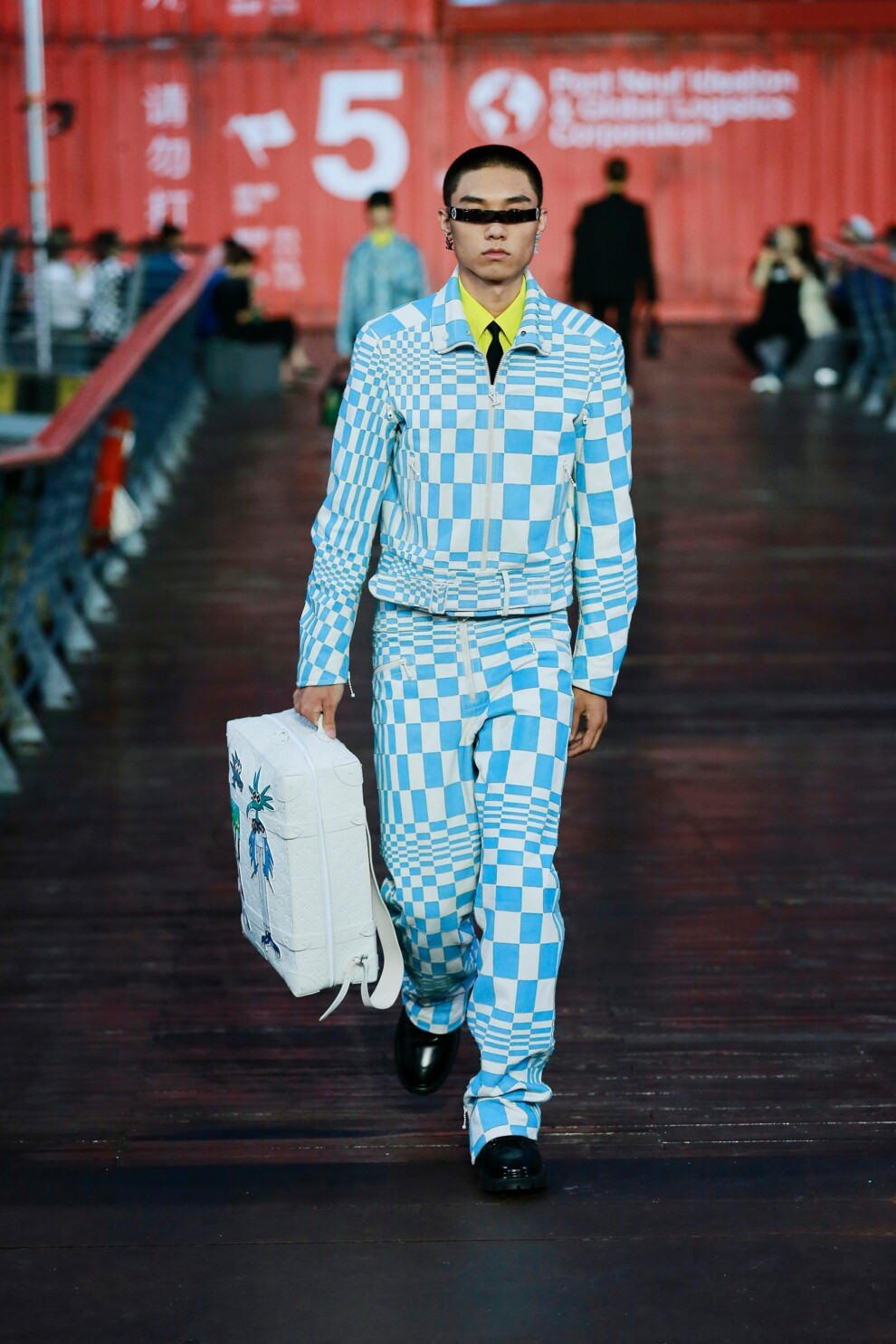 Louis Vuitton Menswear весна-лето 2021