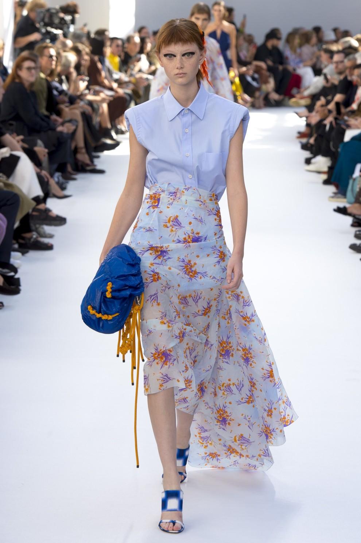 4a093b4f0346 Модные женские рубашки 2019: тренды весны | Vogue Ukraine - Vogue UA