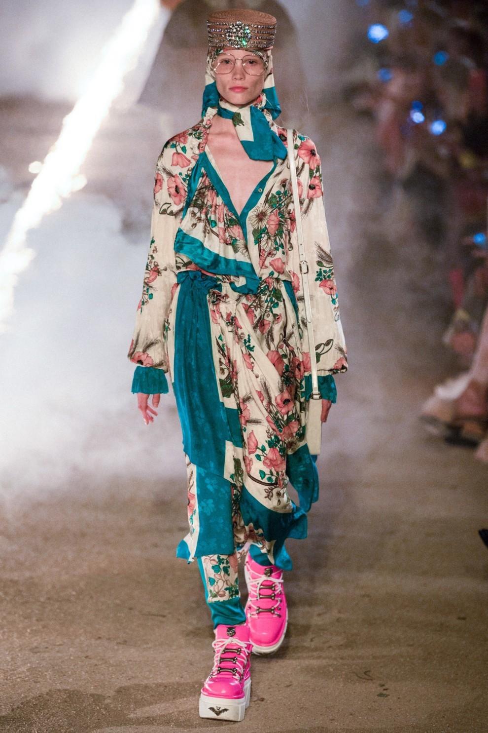 Лучшие аксессуары из коллекции Gucci Cruise 2019   Vogue Ukraine b1b2a6f0602