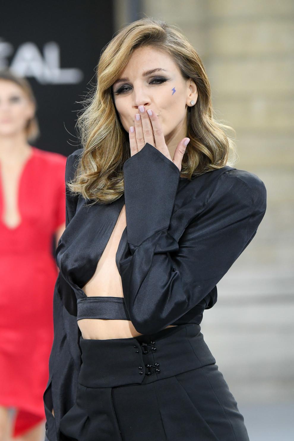 Дизайнер Катя Сильченко выступила моделью на показе L'Oreal в Париже (фото 2)