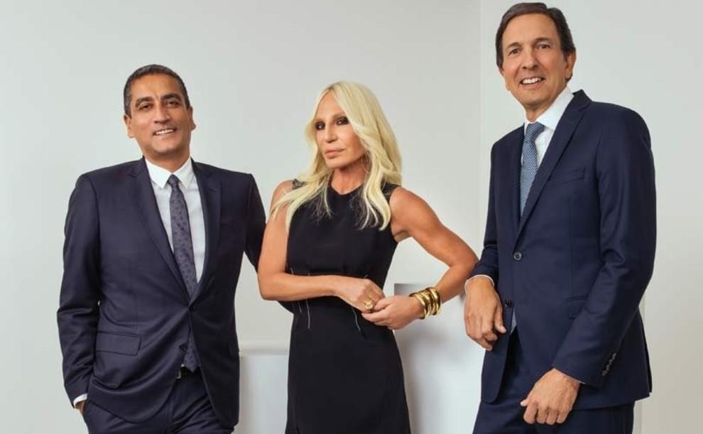 5c2c7e5317d6d - Michael Kors - полноценный владелец Versace