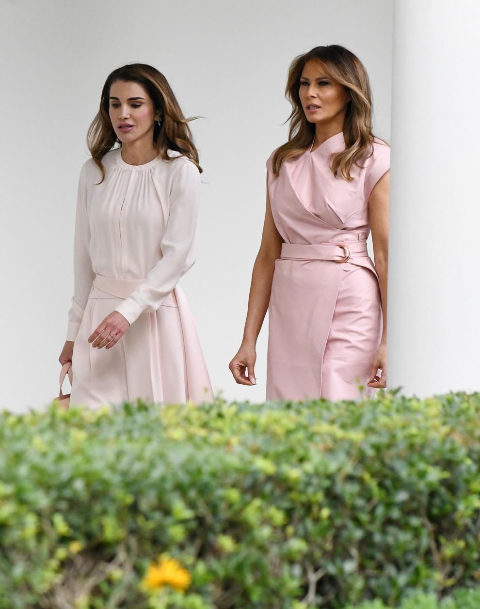 5b315af8a4d91 - Мелания Трамп и королева Рания: встреча женственных натур