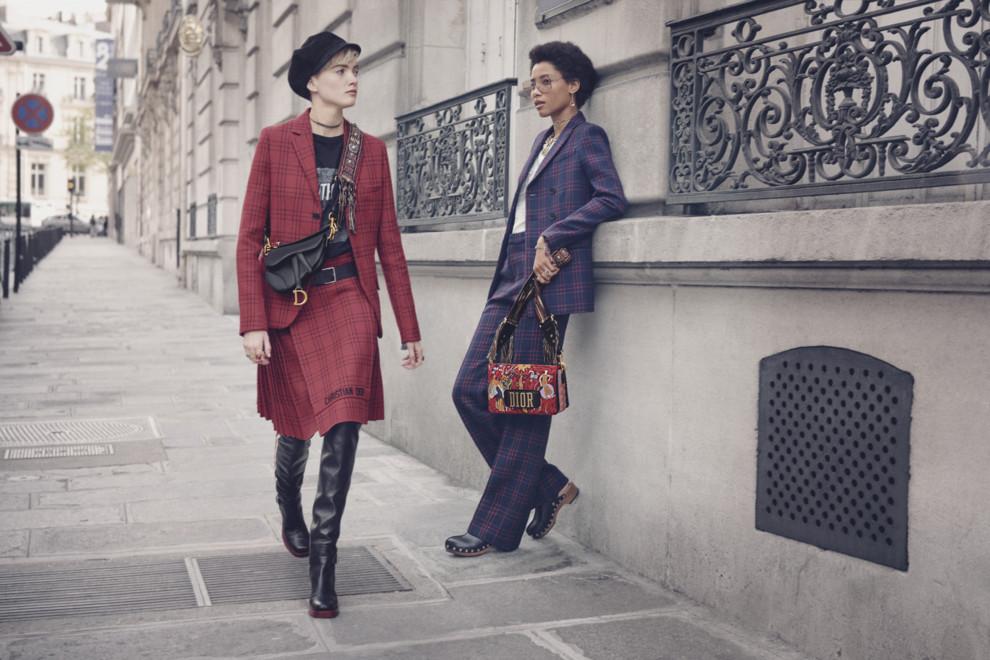 6d406ebc07f1 Новая жизнь: сумка-седло Christian Dior вернулась | Vogue Ukraine ...