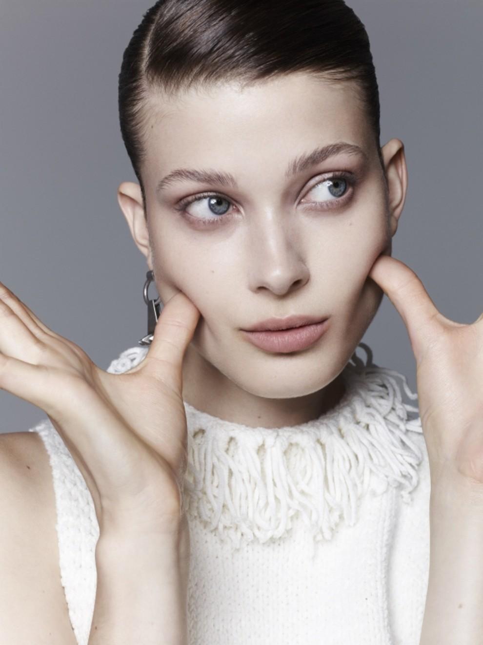 21e8a17acb17 7 трендов пластической хирургии в 2019 году   Vogue Ukraine