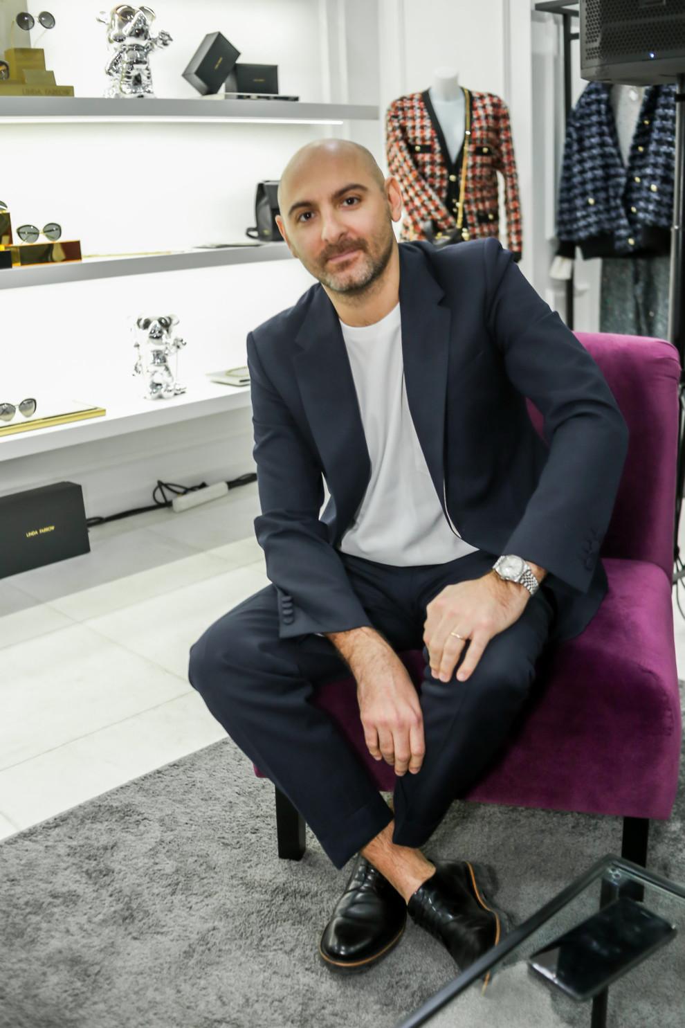 bea4dfd7d00f Интервью с дизайнером Linda Farrow, Саймоном Яблоном   Vogue Ukraine