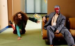 Реслинг, маски и вещи-гибриды в съемке Vogue UA