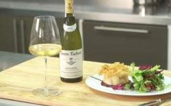 Vogue Kitchen: как приготовить зеленый салат с запеченным козьим сыром