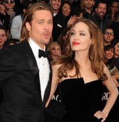 Анджелина Джоли и Брэд Питт поженились
