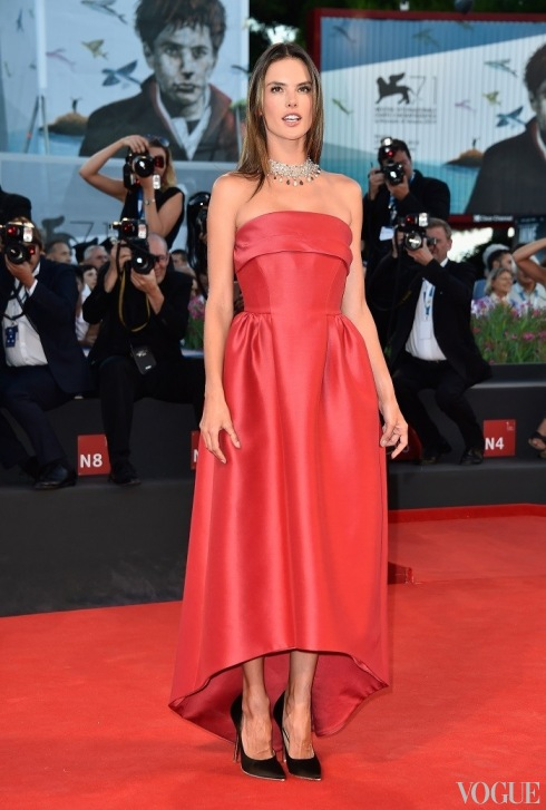 Триумф итальянской моды на Венецианском кинофестивале