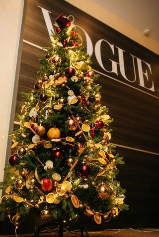 Как украсить елку: главные тенденции новогоднего декора