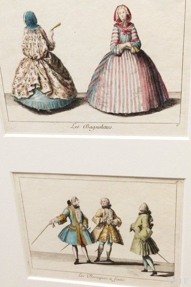 Above: shoulder capes with hoods; below: wigs on gentlemen. Both from Recueil des differentes modes du tems, 1729, Antoine Herisset, hand-coloured engraving