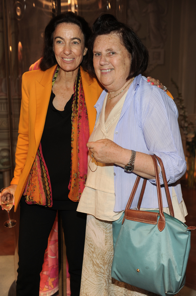 Suzy Menkes, with her trusted Longchamp bag, and Laudomia Pucci