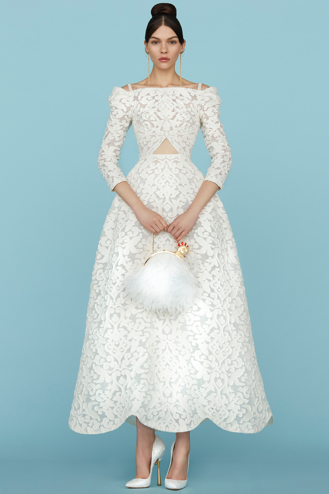 42d5b437cd67bae Пышные бальные или прямые узкие свадебные платья из коллекций Elie Saab и  Georges Hobeika перекликаются с тенденциями свадебной моды сезона  весна-лето 2015, ...