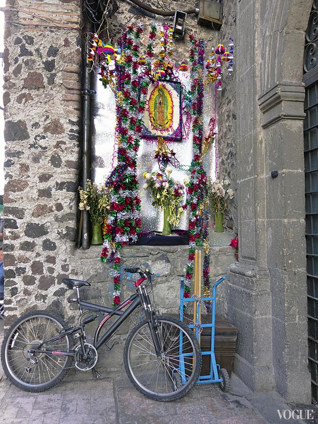Образы Девы Марии Гваделупской часто встречаются на улице