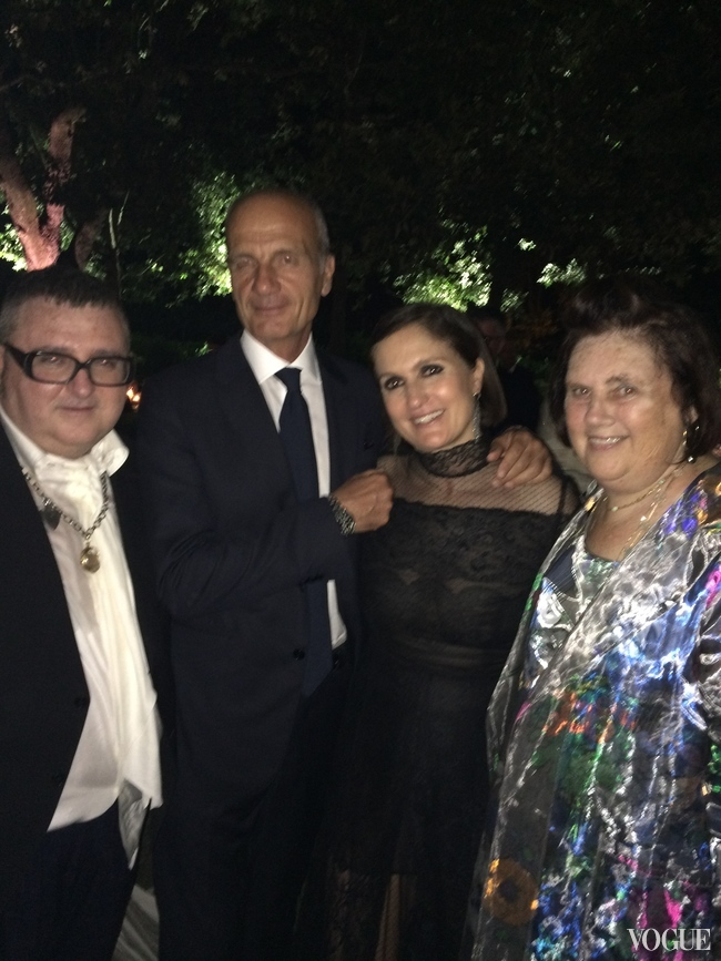Alber Elbaz with Maria Grazia Chiuri, her husband Paolo, and Suzy Menkes