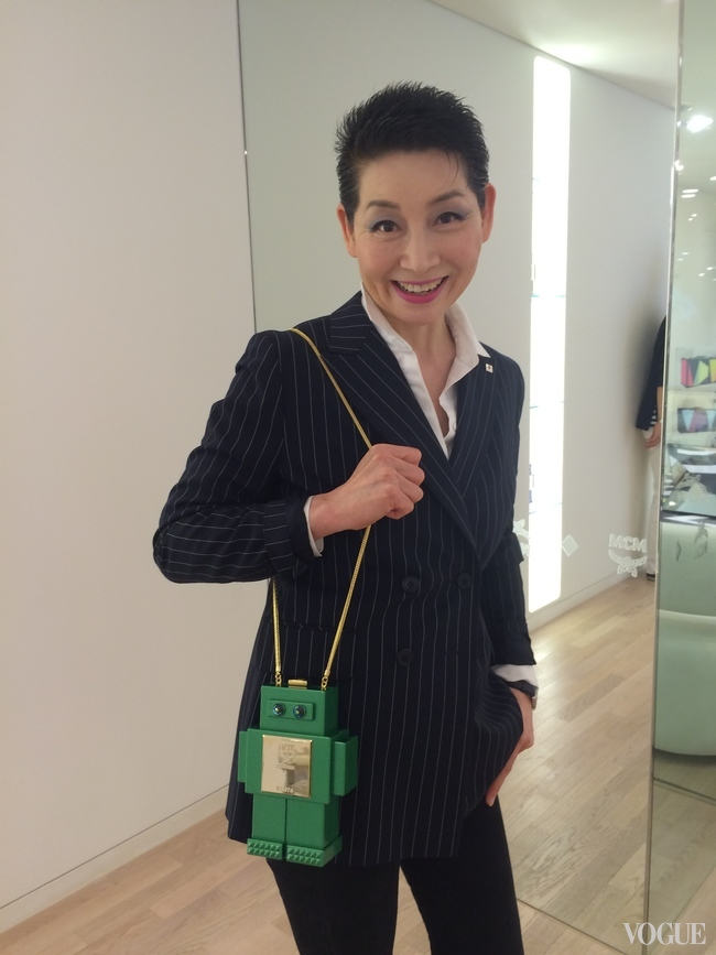 Kim Sung-Joo models one of MCM's new handbags
