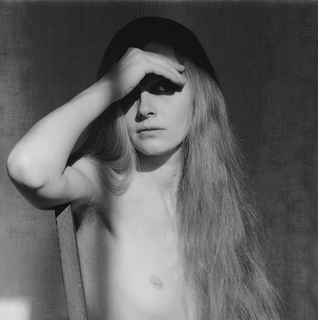 Кэрол Овербай, 1979. Фото Роберта Мапплторпа. Серебряно-желатиновая печать, 40.6 x 50.8 cm (16 x 20 in) RMP 1282