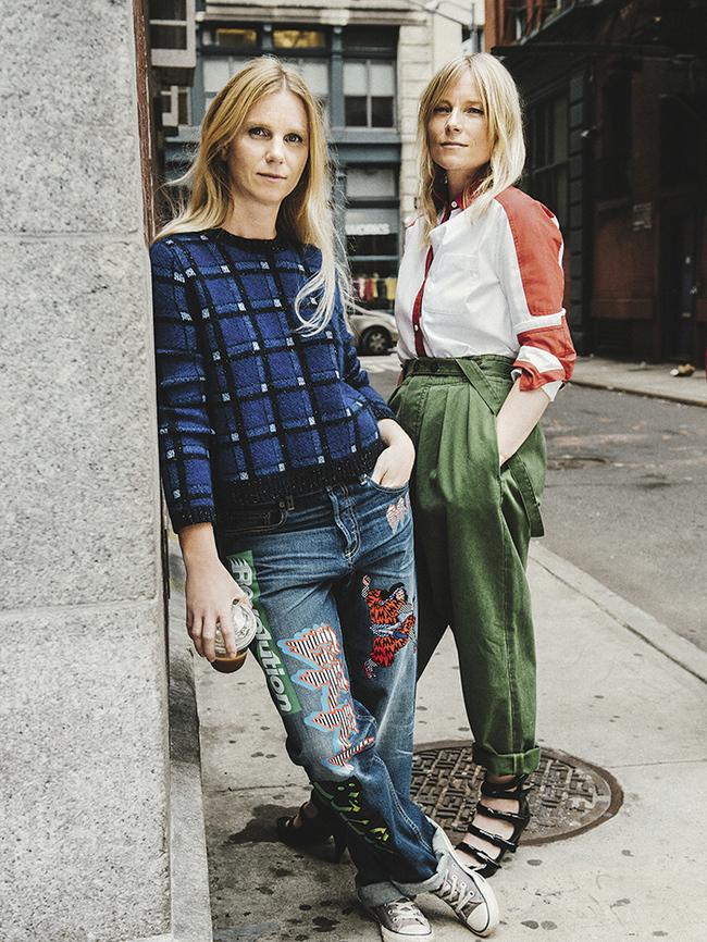Кэти Хиллиер и Луэлла Бартли в Нью-Йорке. На дизайнерах одежда из их дебютной коллекции для Marc by Marc Jacobs сезона осень-зима – 2014/2015, призванной задать вектор развития бренда на годы вперед
