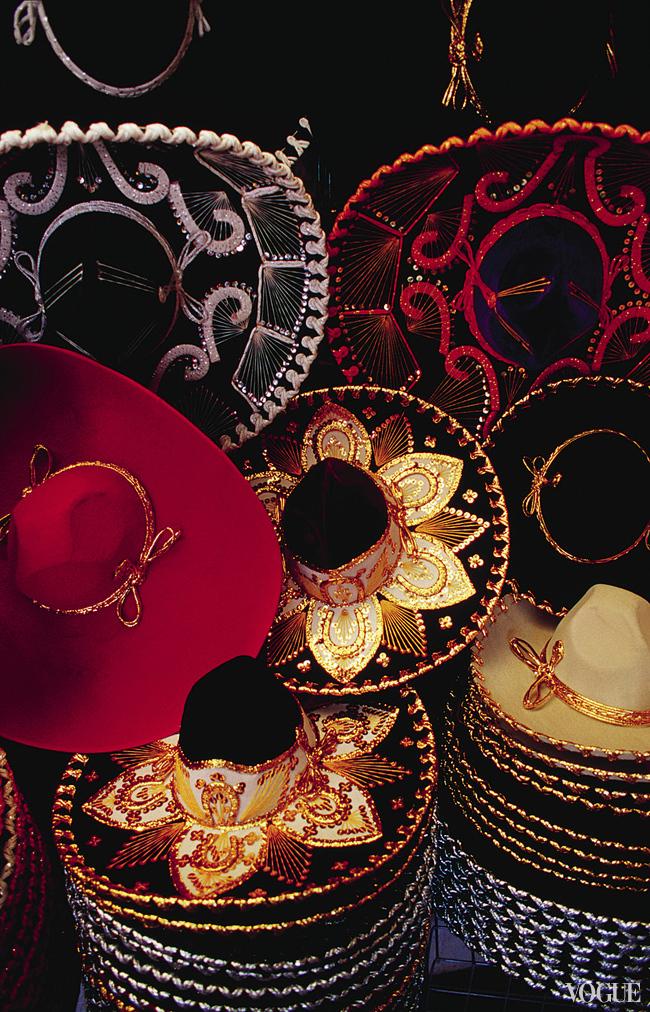 Нарядные сомбреро мексиканцы надевают по праздникам
