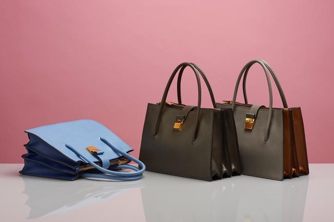 Miu Miu для женщин: купить сумки, кроссовки, кеды, клатчи