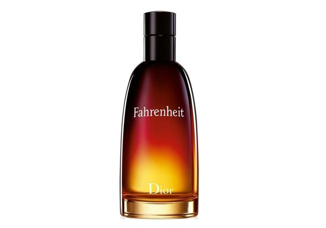 Впервые «Фаренгейт» появился в 1988 году и сразу совершил революцию в мире  мужских ароматов. Парфюмеры отступили от привычных правил создания ad9d8b59402e9
