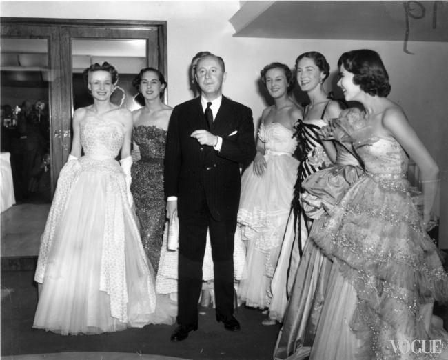Кристиан Диор с моделями, 1950