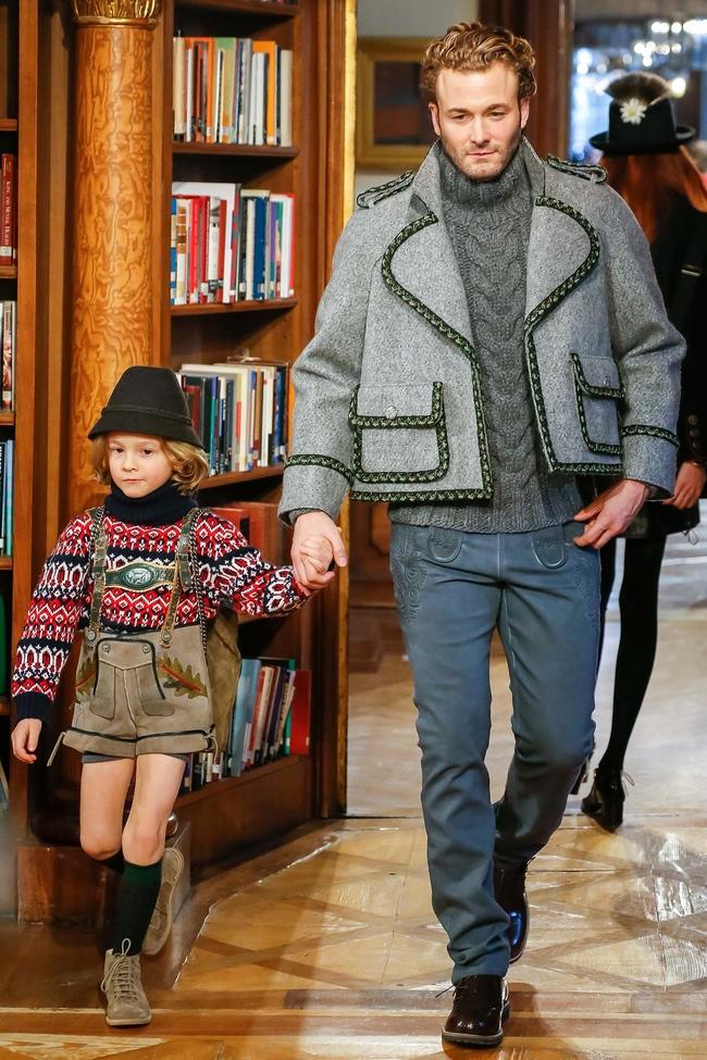 Хадсон Кроэниг на показе Chanel Paris-Salzburg