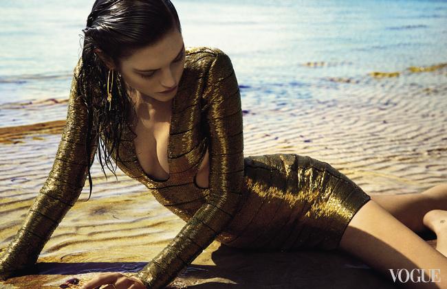 Хлопковое платье, Versus Versace; серьги, желтое золото, жемчуг, винтаж, Chanel, New York Vintage