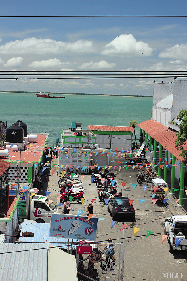 Вход на рынок в Сьюдад-дель-Кармен, вид сверху