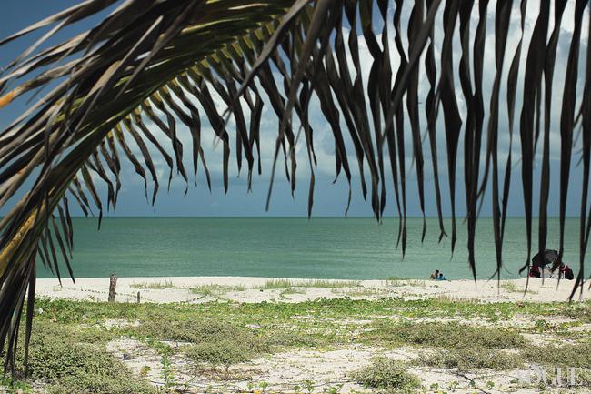 Пустынный пляж Пунта Перла в живописном поселке Сан-Роман